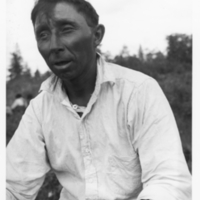 Kaapiskwaamaach, three-quarters view portrait